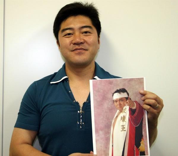 「爆勝宣言」をはじめ、数々の心に残るプロレステーマ曲を作り出している鈴木修さんにインタビュー