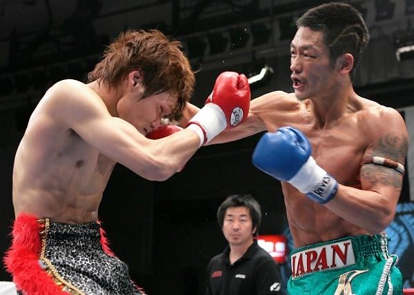 全日本キックなどで活躍する梶原は、K-1 MAX参戦を熱望していた(写真は07年4月 全日本キック後楽園大会)