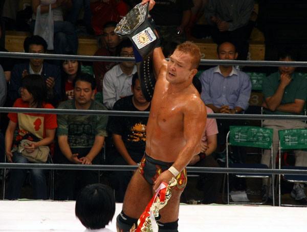 佐藤と退け王座防衛に成功した田中は永田戦にベルトを賭けることをファンに宣言