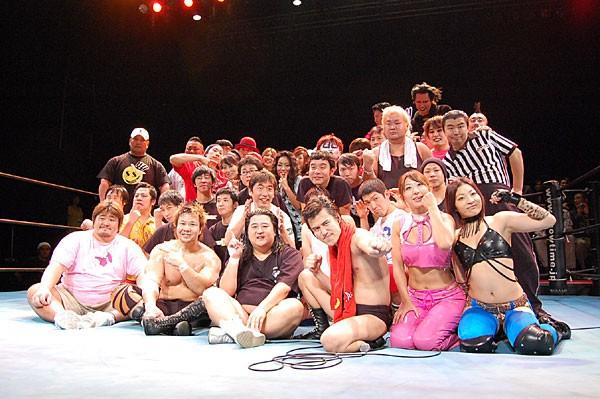 小猪木vs.小島、ダチョウ倶楽部参戦などバラエティに富みまくったラインナップで開催された今回の西口DXプロレス