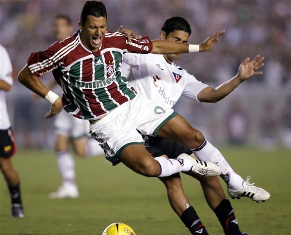 ワシントン(左)が所属するフルミネンセはコパ・リベルタドーレス決勝でPK戦の末リガ・デ・キトに敗れた