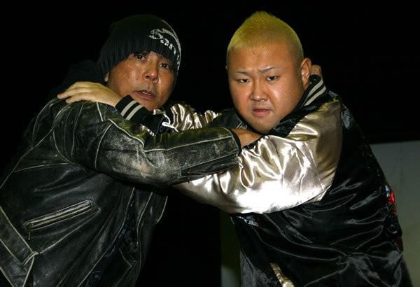 俳優・脇(右)が大みそかプロレスデビュー。大仁田もサポートを約束