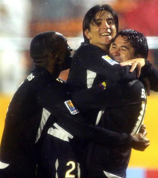 南米代表リガ・デ・キトが北中米カリブ代表パチューカを下して決勝進出を決めた
