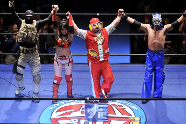 有明の平和を守った菊タロー(右から2人目)ら