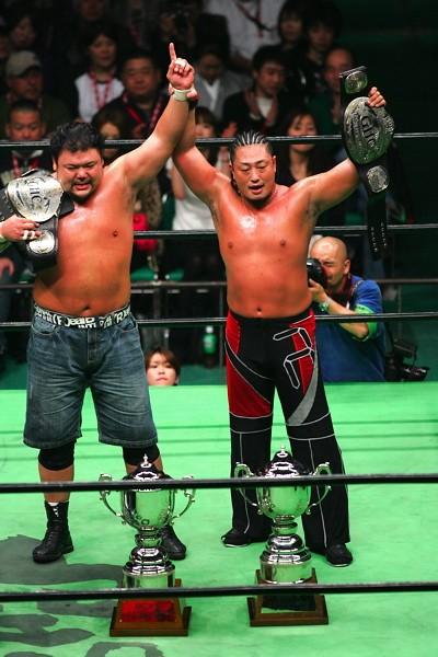 力皇&ヨネ組が健介&森嶋組に勝利、タッグ王座奪取に成功した