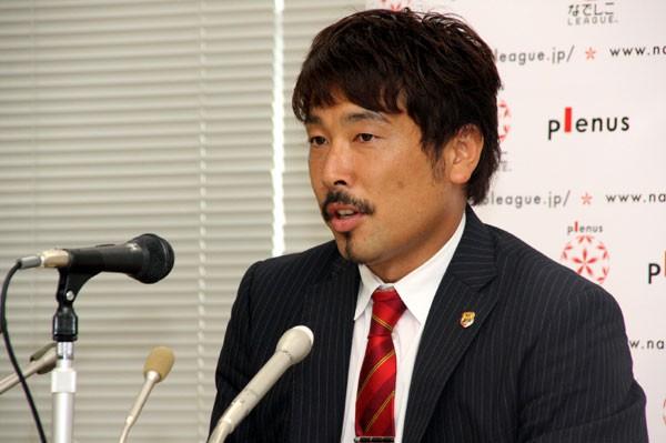 「なでしこジャパンの弱点を突きたい」とチャリティーマッチへ向けて意気込みを語った星川監督