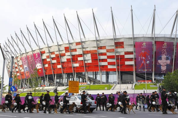 ポーランドとロシアのサポーターが衝突した事件はあったものの、大会はほぼ順調に進んでいる