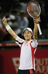 男子の日本人選手として初めてベスト4に進出した錦織。またひとつ、日本テニスの歴史を塗り替えた
