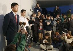 高校生のドラフト1位候補(当時)として初めて、日本球界を経ずのメジャー挑戦を表明した花巻東高・大谷翔平