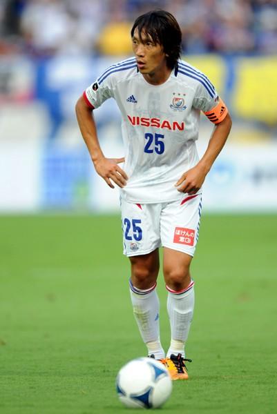 プロ17年目のシーズンを迎える中村俊輔。今季もキャプテンとしてチームをけん引する