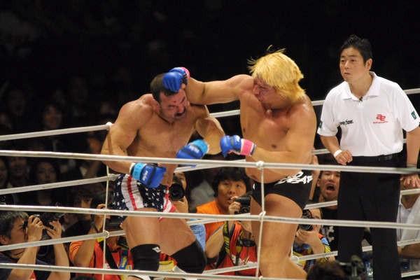 格闘技史上に残る伝説の高山vs.フライの殴り合い