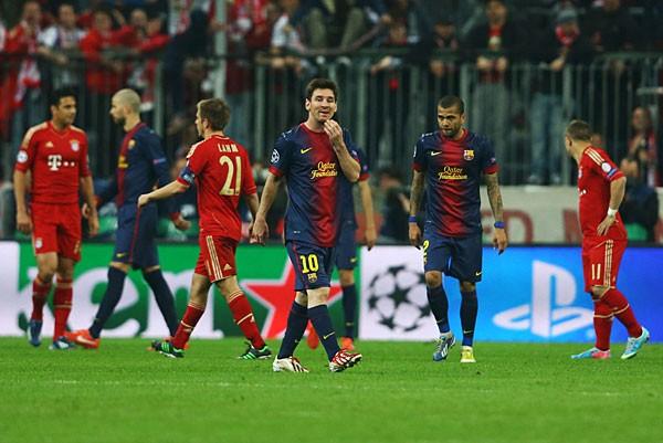 メッシ(中央)擁するバルセロナもバイエルンに歯が立たず。0−4となすすべなく敗れた