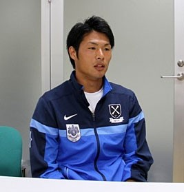 来季からの鹿島加入が内定している赤崎に、大卒選手のメリットを語ってもらった