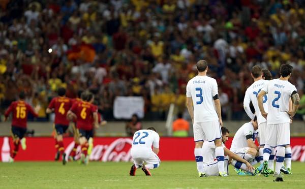 スペイン(赤)の勝利とイタリア(白)の敗北を分けたPK戦だったが、両者の勇気ある戦いには胸が熱くなった