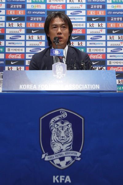 監督代表監督に就任したホン・ミョンボ。ロンドン五輪で韓国に銅メダルをもたらした名将が満を持してA代表を率いる