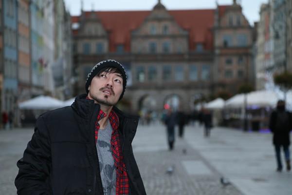 欧州10年目のシーズンをポーランドで過ごす松井大輔、現地での様子や、代表への思いを語ってもらった