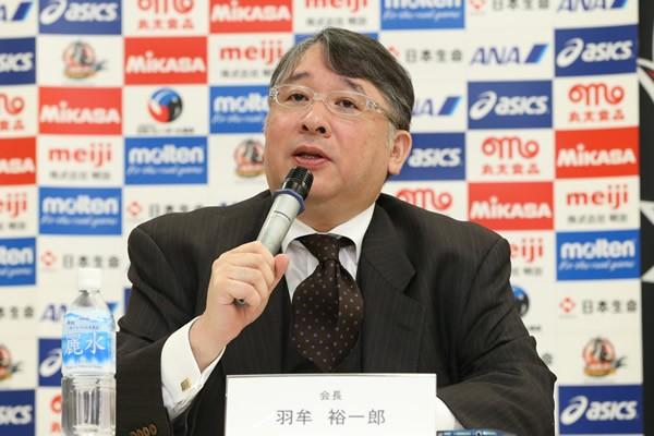 監督交代の要因を語った羽牟会長。やはり、世界選手権への出場権を逃すなど成績不振の影響が大きかった