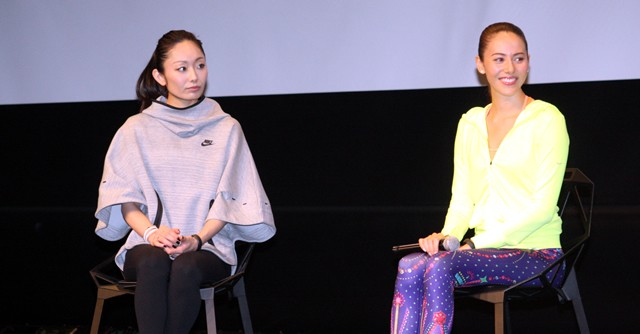 道端ジェシカさん(右)、安藤美姫さんによるトークショー