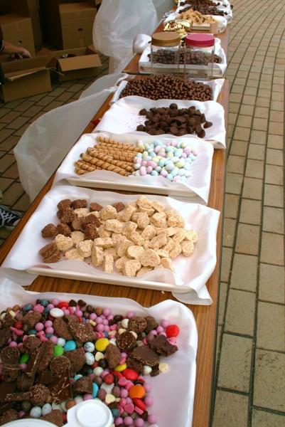 「給チョコ所」にはチョコ菓子から高級チョコまで30種類のチョコが勢ぞろい