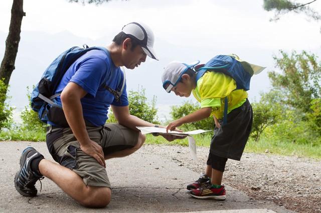 親子が協力して同じゴールを目指す。「2013 北アルプス山麓 Adventure games2001」にて。