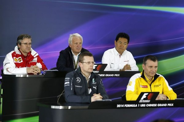 ホンダはF1復帰前にもかかわらず、FIA記者会見に出席。実に異例のことである。後段右がホンダのF1プロジェクトリーダー新井康久氏。後段中央がFIAのF1担当責任者チャーリー・ホワイティング