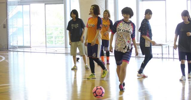ボールを使って基礎練習