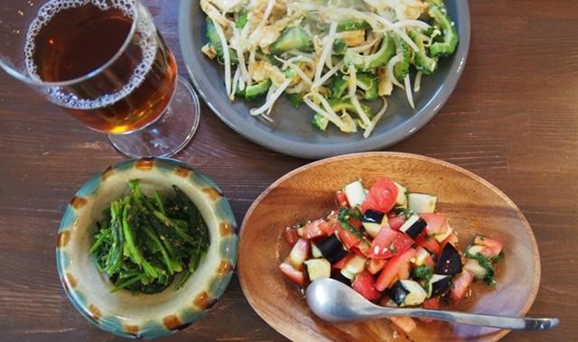 食事もお酒も好き! 高山都さんの朝食でたっぷり野菜をチャージ