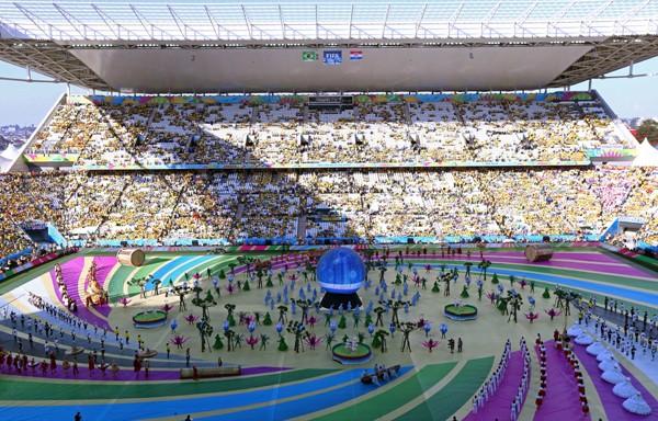 いよいよ開幕したW杯ブラジル大会。直前まで国内の事情もあり盛り上がりに欠けるといわれていたが、やはり始まるとサッカー王国らしい熱を感じられる