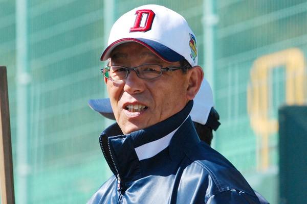 04年の球界再編時、近鉄に所属し、その後、楽天のフロント入りした経歴を持つ石山から、日本球界の変化に影響を受ける韓国野球の姿が見える