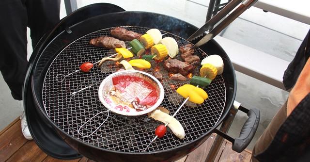 施設が用意してくれるお肉、野菜はともに絶品