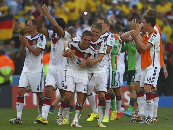 ポゼッション志向のチームが敗れる中、準決勝進出を果たしたドイツ。その秘密は、レーブ監督が練り出した戦術のマイナーチェンジにあった