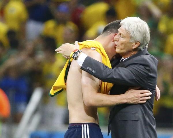 ブラジルに敗れた際、涙を見せたコロンビアのペケルマン監督。06年のドイツ大会で敗れた際には流さなかった涙には理由があった