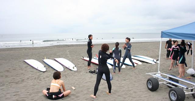 オッシュマンズのサーフィンスクールに参加
