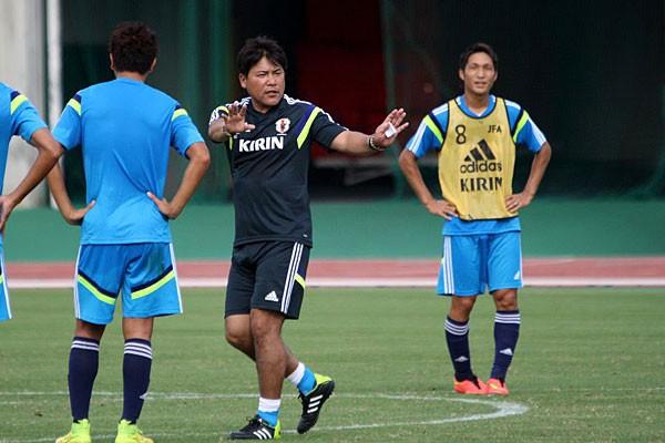 手倉森監督が選手たちに求めたのは、日本サッカー界の将来を担っているという自覚。自然と指導にも熱が込められた