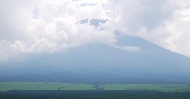 富士山には雲がかかっていた、ちょっと残念