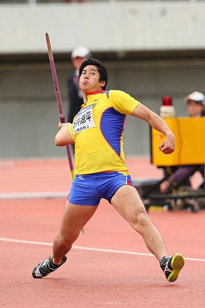 4月の織田記念で日本歴代3位の好記録を出し、海外大会で世界選手権王者のベセリを破るなど、今季の新井は躍進を続けている