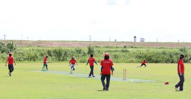 残暑厳しい中、練習に励むクリケット女子日本代表