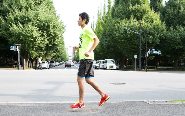 走ると地面から両脚が離れることで筋力アップにつながる