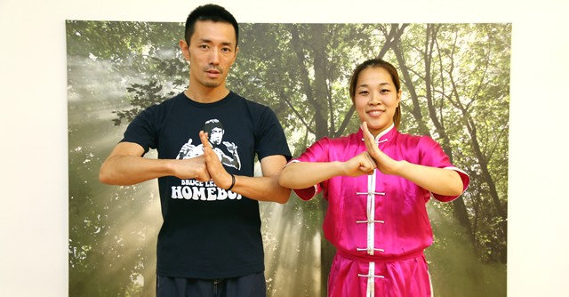 アジア大会のメダル候補、山口啓子選手に突撃取材!(左は筆者である自称2代目スポーツ冒険家・芸部歩人)