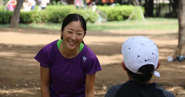 笑顔で接するだけで、子供は安心して自信をもって取り組みます