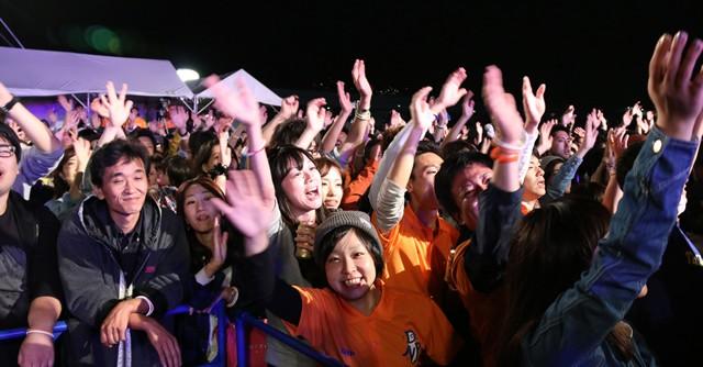 RIP SLYMEのライブに参加者は大盛り上がり!