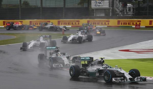 荒天の中で行われたF1日本GP決勝。レースは駆け引きが見られ、素晴らしい内容だったが、最後に待っていたのは悲劇だった……