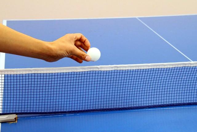初心者はまず、ネットよりボール1〜2個分上を狙えるようにしましょう