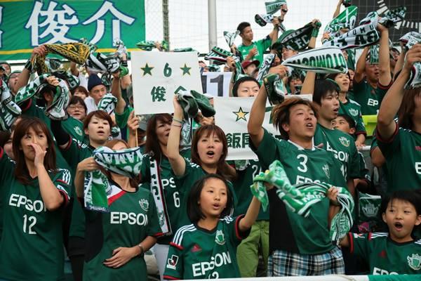 松本山雅の躍進を支えたのは、地域の人々の温かく力強いサポートだった
