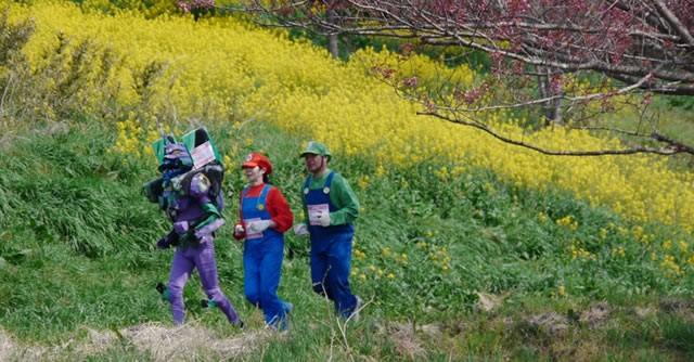 春の東北。コースからは四季の花々も見える