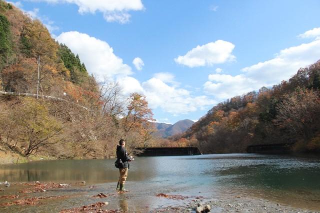 「東京の遊びもメンドくさくなっちゃって」と週末は群馬に戻り、釣りを楽しむ生活サイクルを続けていく