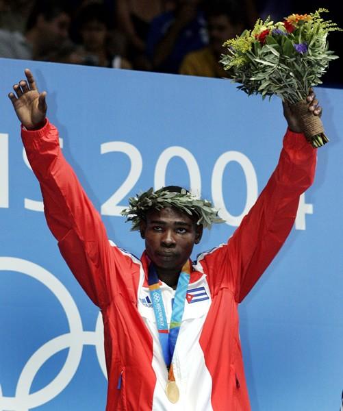 アテネ五輪ではシドニーに続き連覇。ボクシング大国キューバにあって、史上最高傑作と評された