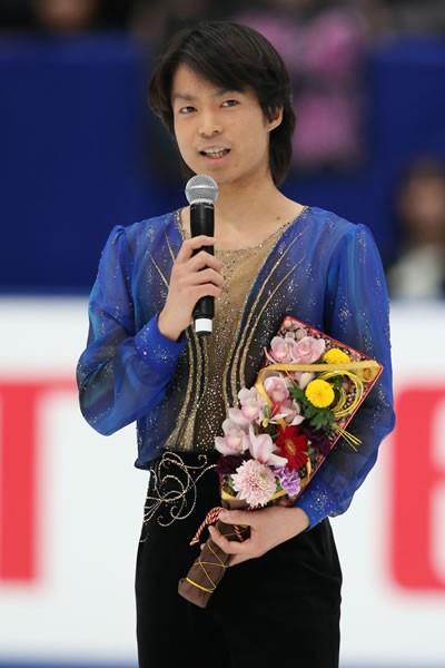 氷上で突然引退を表明した町田樹
