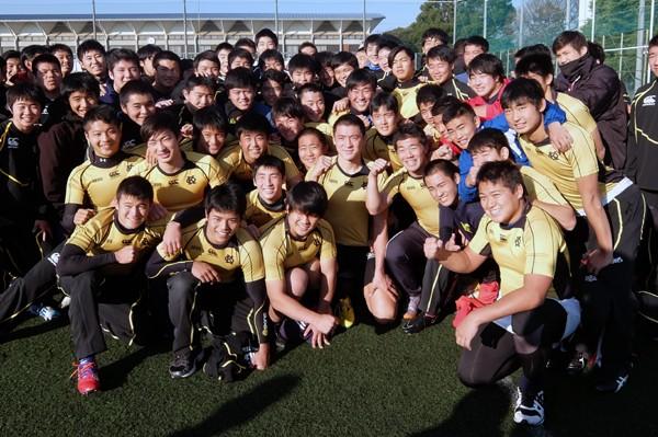 大学生との練習などで強化を進めてきた慶応高ラグビー部