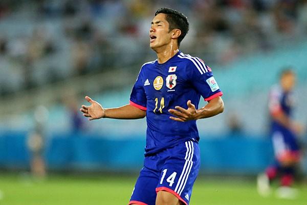 決定機を生かせず、天を仰ぐ武藤。アジアカップでは4試合すべてに途中出場したが、無得点に終わった